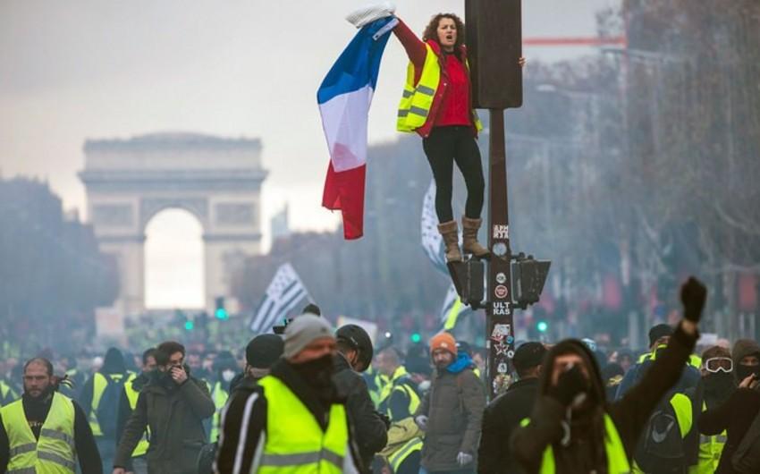 Fransada sarı jiletlilər 20-ci etiraz aksiyası keçirəcəklər