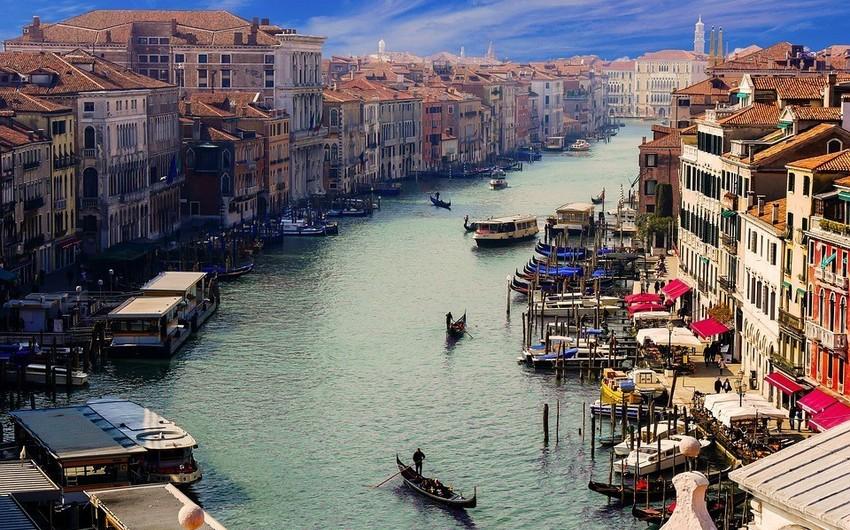 Venesiyanın tarixi mərkəzinə avtomobil girişi pullu olacaq