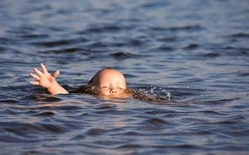 В Сальяне в канале утонул 7-летний ребенок