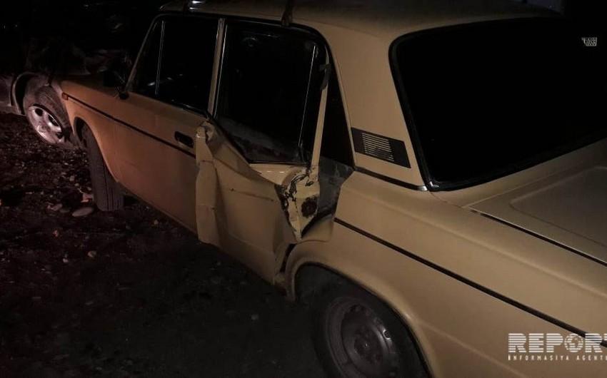 Kürdəmirdə VAZ-2106 Fordla toqquşub - FOTO