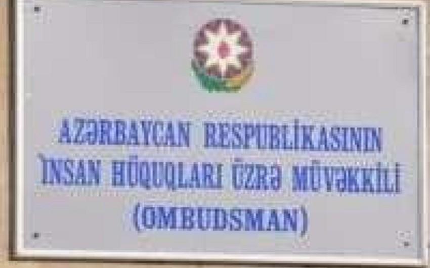 Ombudsman Aparatının əməkdaşları Azadlıq qəzetinin inzibati həbs cəzası almış əməkdaşı ilə görüşüb