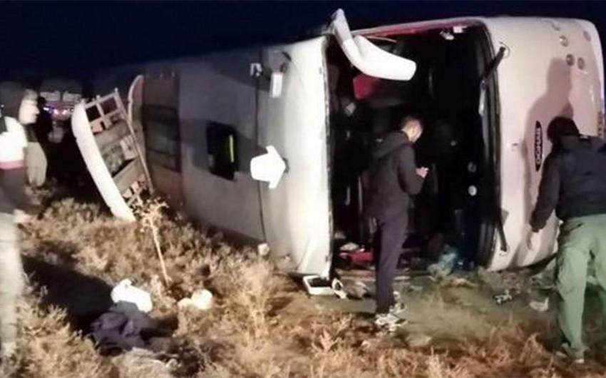 İranda avtobus qəzaya uğrayıb, 20 nəfər ölüb