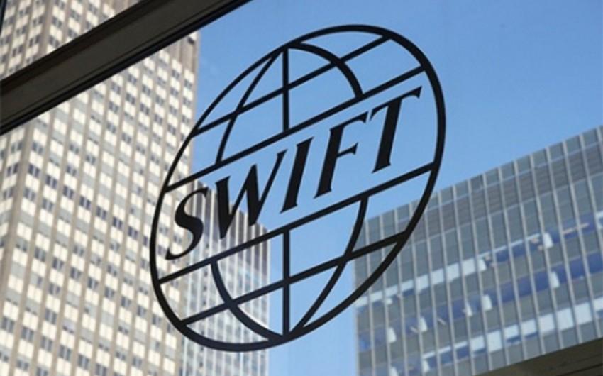 SWIFT banklardan pul oğurlandığını etiraf edib