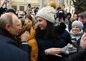 Сделавшая Путину предложение девушка рассказала об его реакции