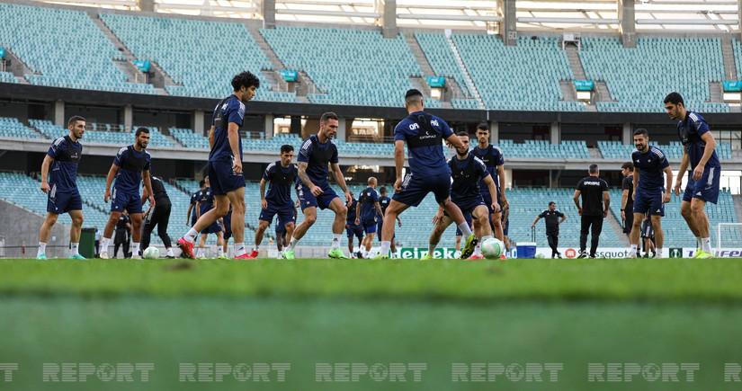 Карабах вышелна заключительную тренировку перед матчем с Базелем