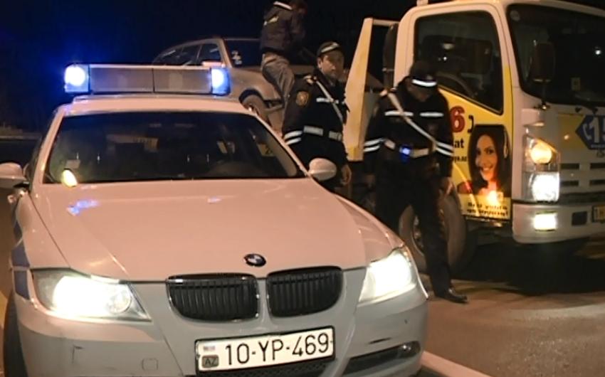 Bakıda yol polisindən qaçan sürücü qəza törədib - FOTOLAR