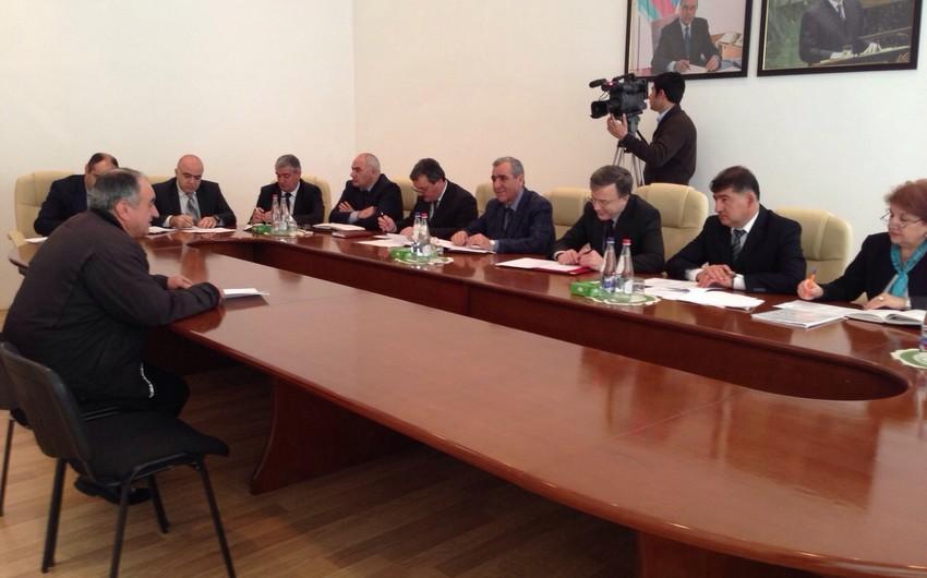 Nazir Hüseyn Bağırov vətəndaşları qəbul edib