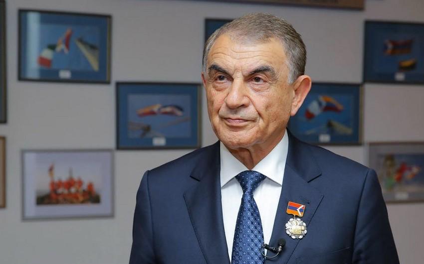 Ermənistan parlamentinin keçmiş sədri siyasətdən gedir