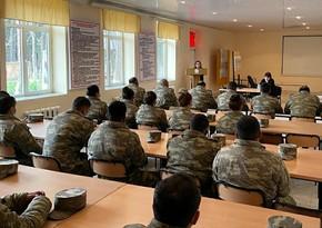 Проводятся семинары для азербайджанских военнослужащих