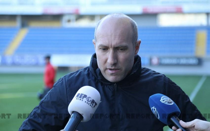 Samir Abasov: Yeni transferlərsüni ot örtüyünü görəndə qorxdular