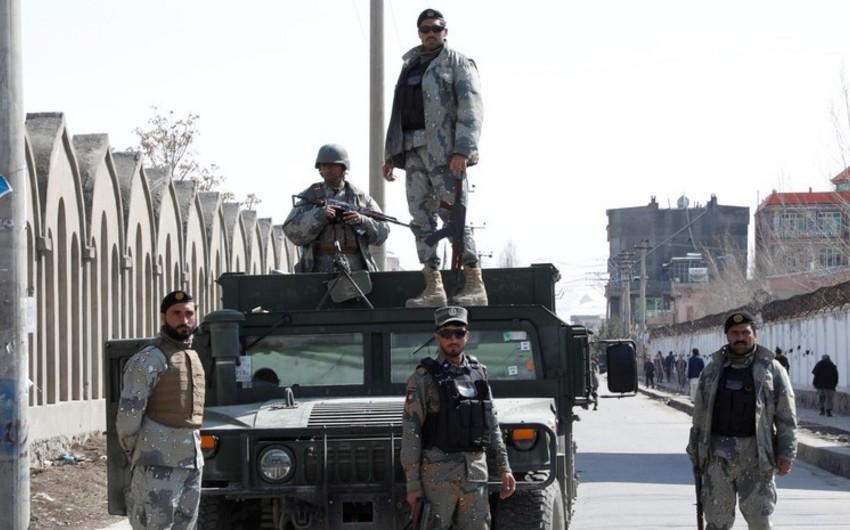 Əfqanıstanda Taliban qruplaşması ilə atışmada 8 polis ölüb, 16-sı yaralanıb