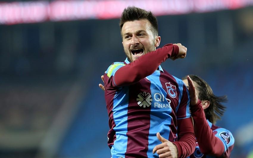 Названа причина неприглашения в сборную Азербайджана футболиста Трабзонспор