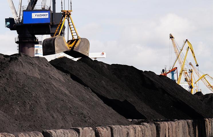 ABŞ-dan Ukraynaya kömürün ilk partiyası gətirilib