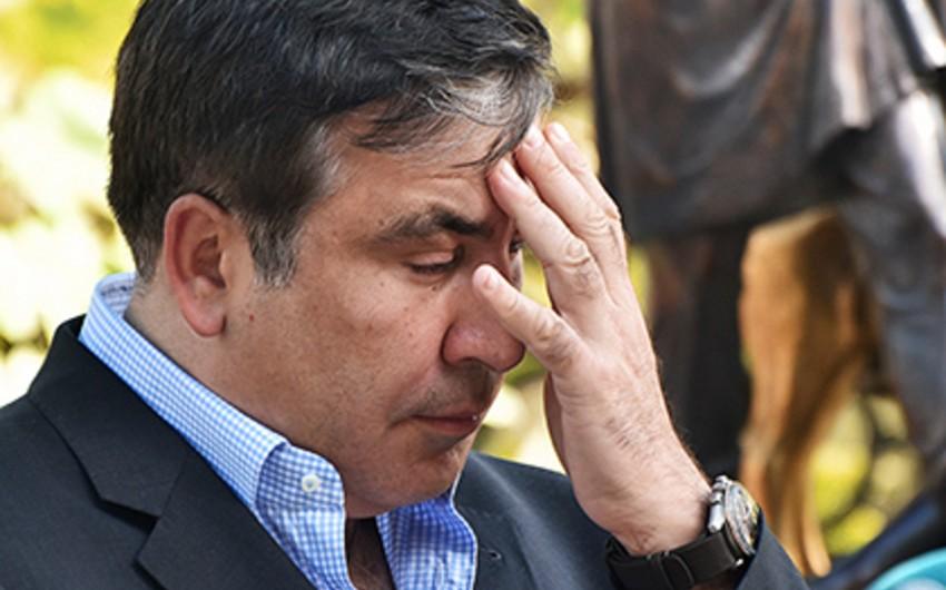 KİV: Poroşenko Saakaşvilini istefaya göndərib