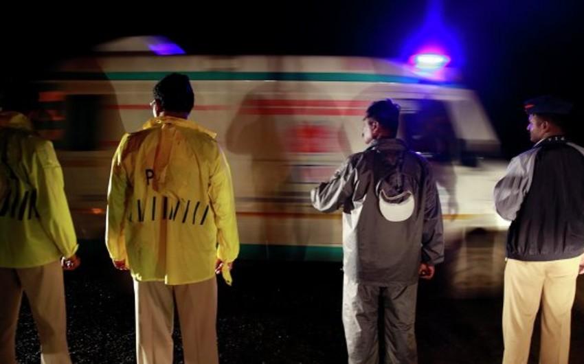 Hindistanda avtobus qəzaya uğrayıb: 13 ölü, 16 yaralı