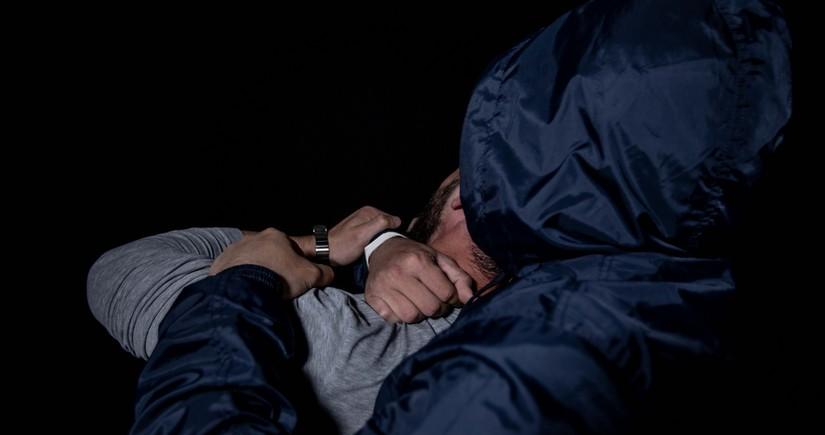 В центре Баку неизвестные избили парня и девушку