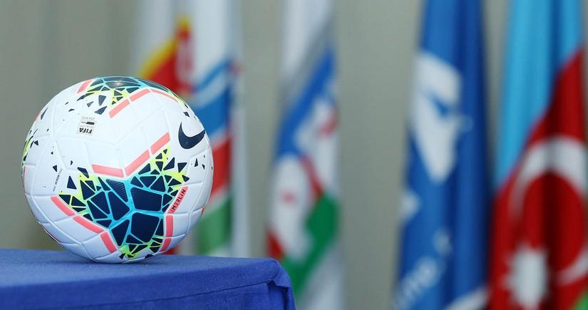 Сколько футболистов подписали азербайджанские клубы в 2020 году?