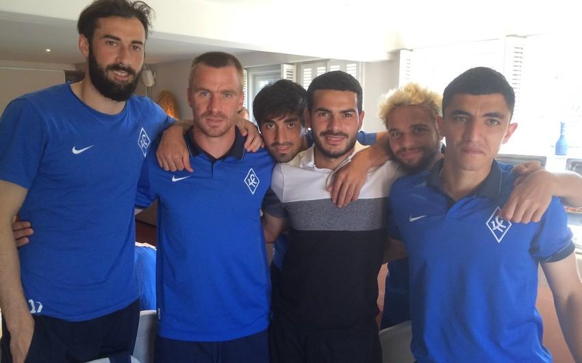 Rusiyada daha bir klub azərbaycanlı futbolçu ilə yollarını ayırıb