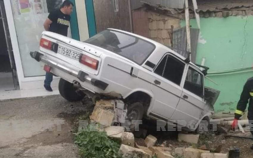 Cəlilabadda sürücü törətdiyi qəzada yaralandı