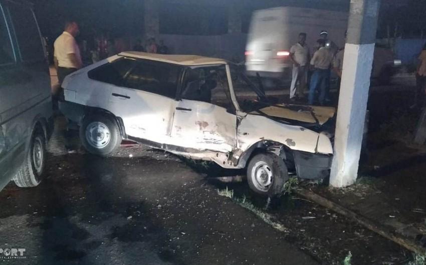 Lənkəranda iki avtomobil toqquşub, üç nəfər yaralanıb - FOTO