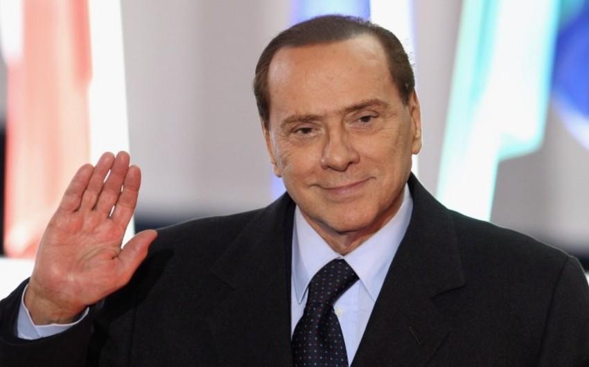 Silvio Berluskoni: Komandamızda saqqallı futbolçuların olmasını istəmirik