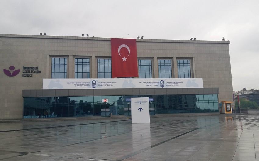 İstanbulda QDİƏT-in yubiley sammiti öz işinə başlayıb