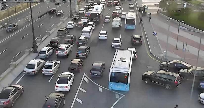 BNA: Müntəzəm və ekspress xətlər üzrə avtobusların hərəkətində gecikmələr var
