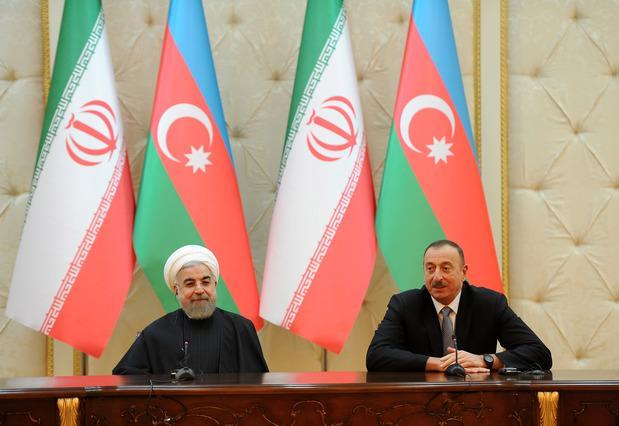 Президент Азербайджана поздравил иранского коллегу