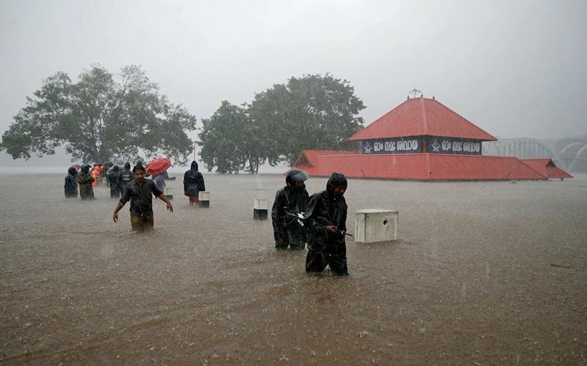Hindistanda leysan yağışları və daşqınlar nəticəsində insan tələfatı artır