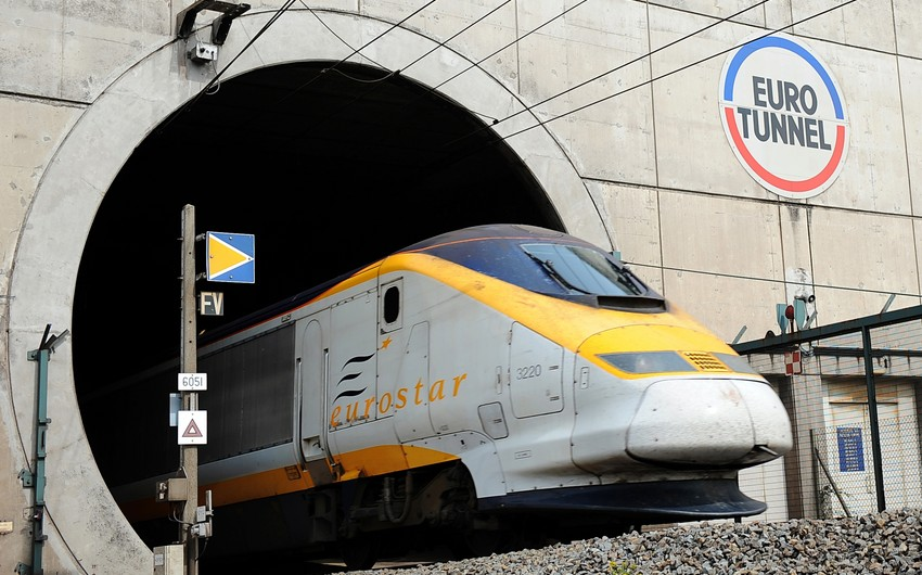 Eurotunnel services suspended after mass break-in