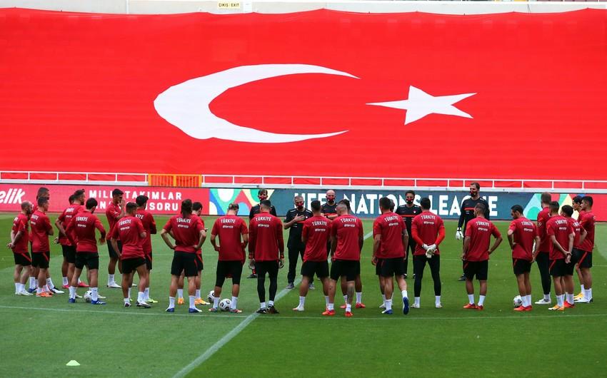 Türkiyə millisi karantinə alındı -