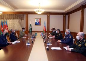 Azərbaycanla Pakistan hərbi əlaqələrin genişləndirilməsini müzakirə edib