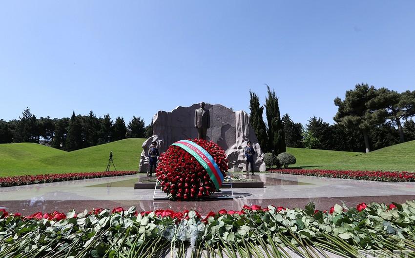 Azərbaycan xalqının ümummilli lideri Heydər Əliyevin vəfatından 14 il ötür