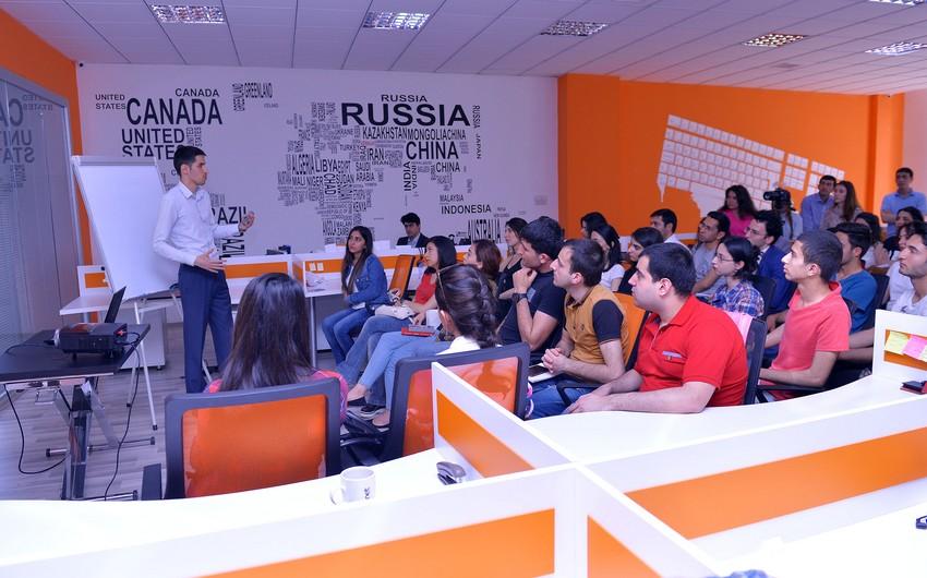 Baku Business Factorydə Daxili Motivasiya – 3D Səyahət mövzusunda seminar təşkil edilib