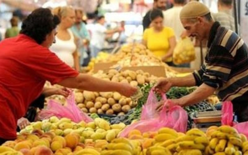 Azerbaijani population reduces cost of food in total expenditure