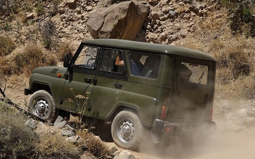 Ermənistan ordusunun avtomobili qəza törədib, 3 nəfər yaralanıb