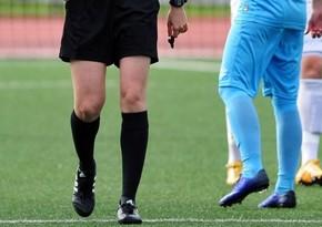 İranda futbol matçının canlı yayımı qadın hakimə görə dəfələrlə kəsildi
