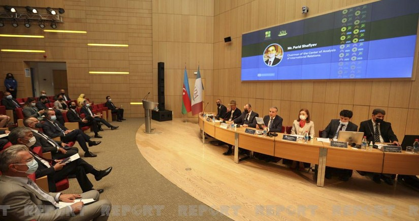 Briefing for foreign diplomats held in Azerbaijan