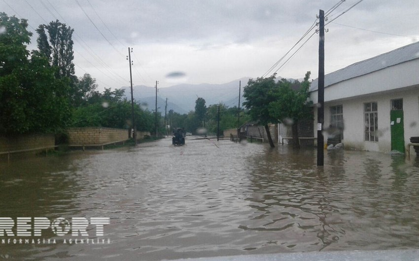 Qaxda güclü yağış nəticəsində evləri su basıb - FOTO - YENİLƏNİB-2 - VİDEO