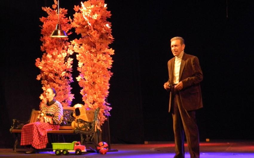 Azərbaycan Dövlət Rus Dram Teatrı Tbilisidə tamaşa nümayiş etdirib - FOTO