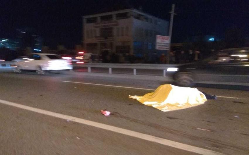 Saatlıda avtomobil 75 yaşlı qadını vuraraq öldürdü