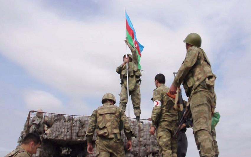 Ağdamın Şelli kəndində Azərbaycan bayrağı ucaldılıb - VİDEO