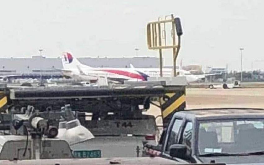 В аэропорту Шанхая у самолёта Malaysia Airlines при взлёте лопнули шины