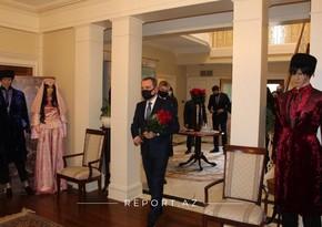 Джейхун Байрамов посетил посольство Азербайджана в США