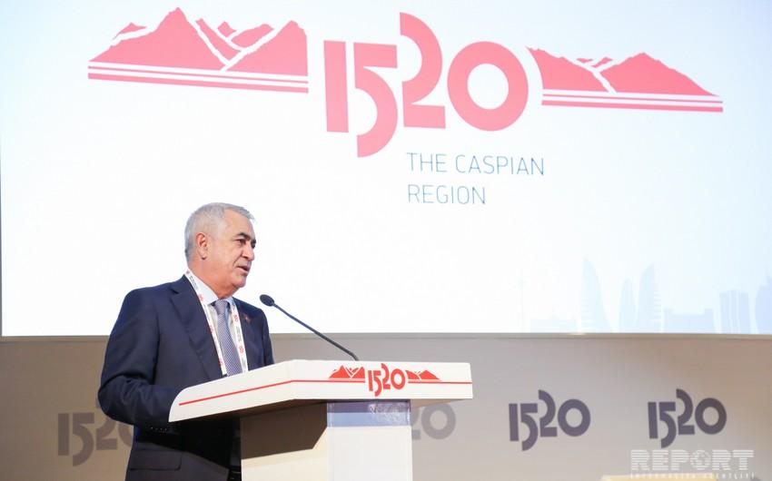 Джавид Гурбанов: Строительство железной дороги Баку-Тбилиси-Карс завершится до середины следующего года