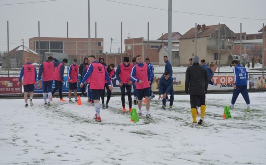 Kosovo yığması Azərbaycanla oyunun hazırlığı zamanı problemlə üzləşib - VİDEO