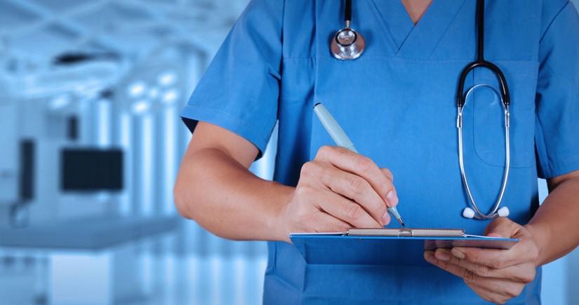В Азербайджане больной коронавирусом врач ходил на работу