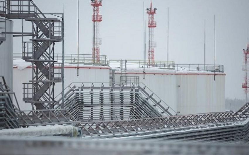 Russia cut oil, condensate production in February