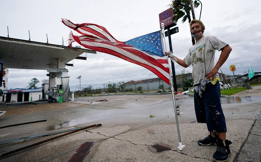 ABŞ qasırğaya hazırlaşır