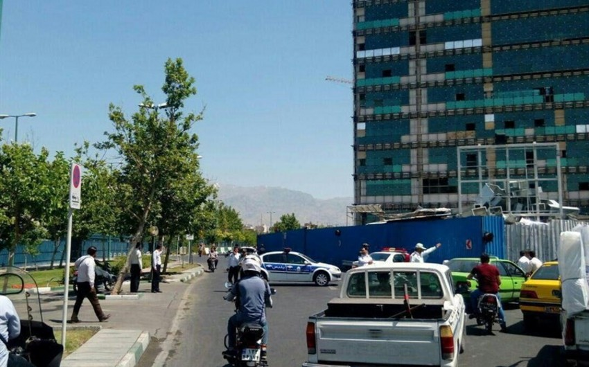 Polis Tehranda Xomeyninin məqbərəsi yaxınlığında bombanı zərərsizləşdirib
